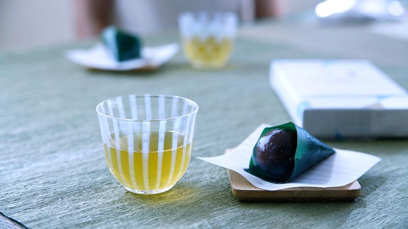伝統技術で作られたどこか懐かしい風合いの冷茶グラス